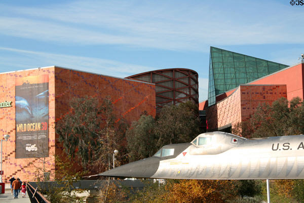 California Science Center (1998) in Exposition Park. Los Angeles, CA. Architect: Zimmer Gunsul Frasca + others.