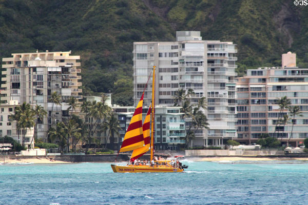 Sailing off Waikiki Beach. Waikiki, HI.