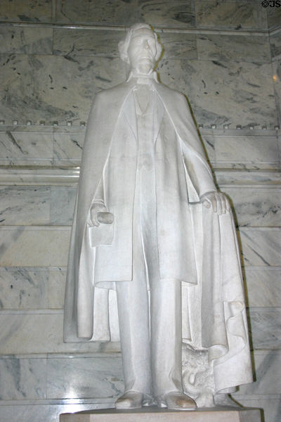 Statue of Confederate President Jefferson Davies (1808-89) in Kentucky State Capitol rotunda. Frankfort, KY.
