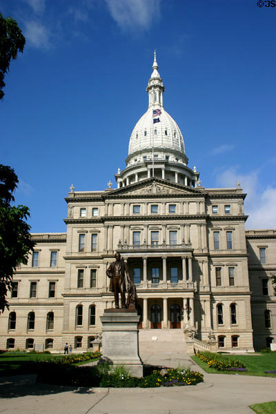 Michigan State Capitol (1878). Lansing, MI. Style: Neo-classical. Architect: Elijah E. Myers. On National Register.