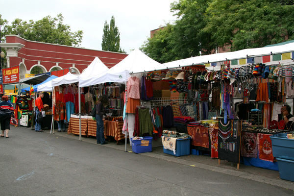Crafts market at Ankeny Square. Portland, OR.